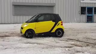 Küçük araba drift yaparsa