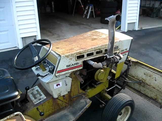 Sears Ss18 Twin Lawn Tractor   Sears Lawn Tractors: Sears