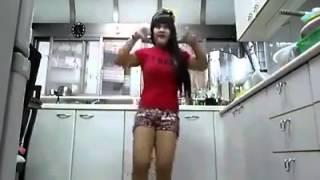 Download Video Pembantu kesepian Goyang dapur Majikan MP3 3GP MP4
