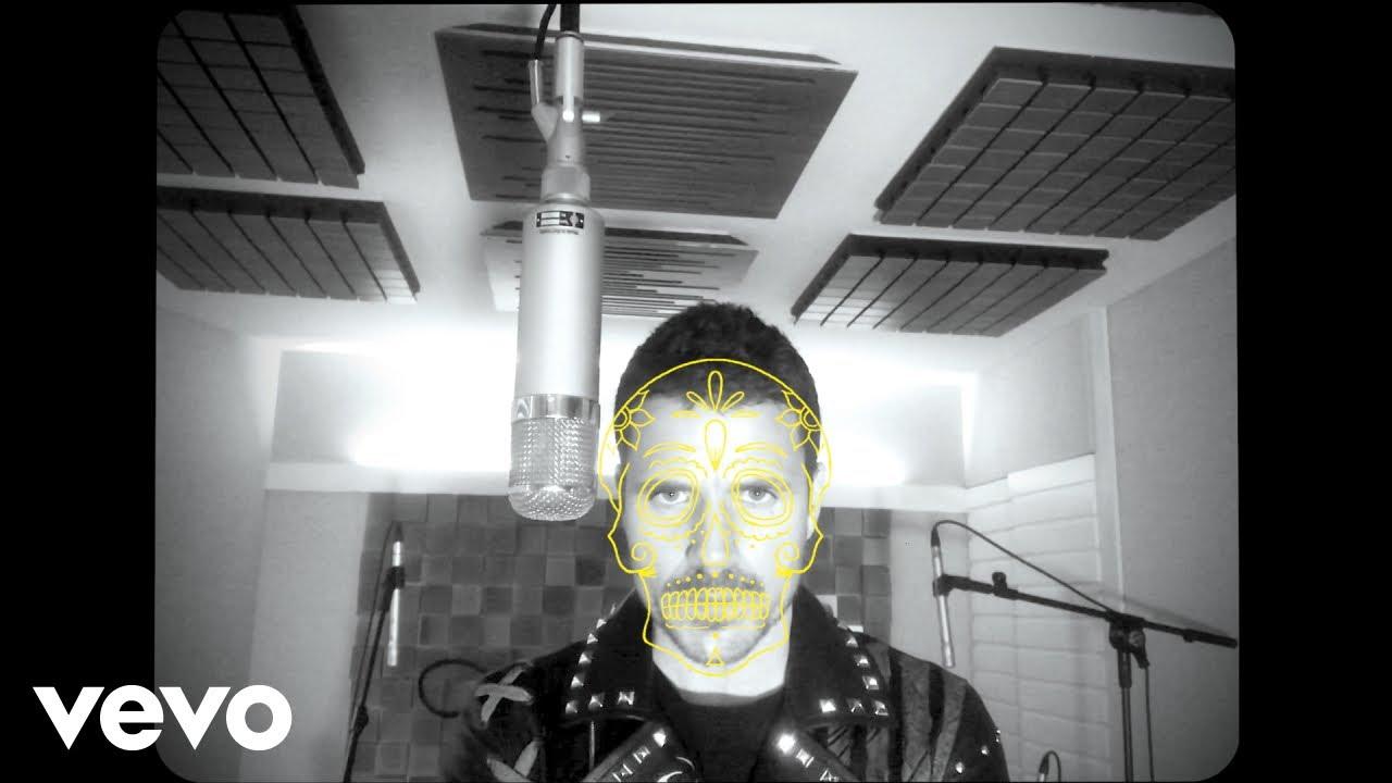 Download Dani Martin, Juanes - Los Huesos