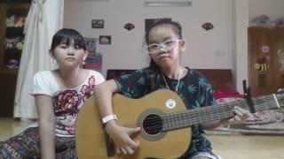 """Hát bài """"Dễ thương"""" & đánh Guitar"""