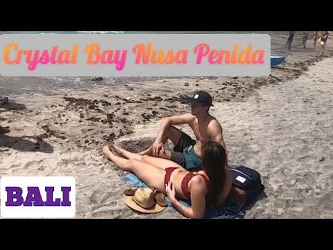 crystal-bay-beach-in-nusa-penida,-bali.-(sub-ind-/-eng).