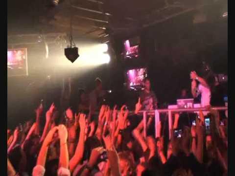 Armin van Buuren Voted Number 1 by DJ MAG