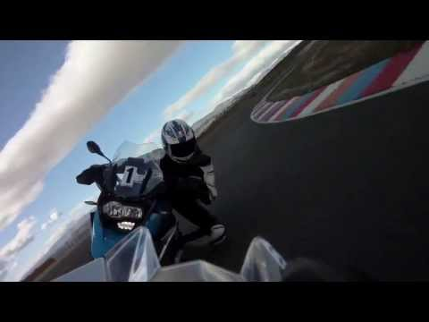 BMW R1200GS vs. BMW HP4 at the Circuito de Almería
