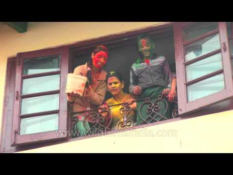 red,-green-and-yellow:-holi-in-mussoorie