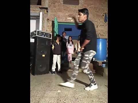 Kudi menu Kandi juti lede Soniya dance                 ser karo like or subscribe kar diyo channel