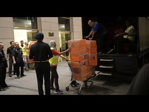 Malaysia Seizes Najib's 'Rather Big' Trove of Jewels and Handbags