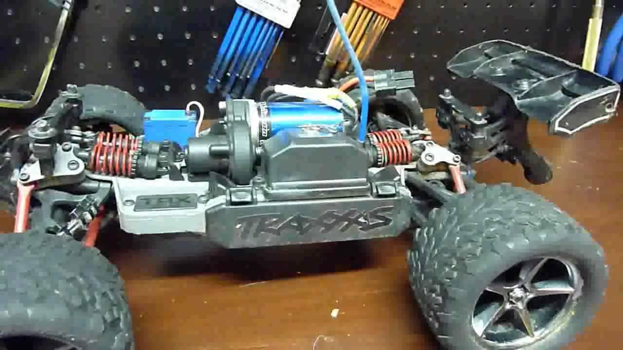 1 16 E Revo Hopper Wheelie Bar Installation And Demo Youtube