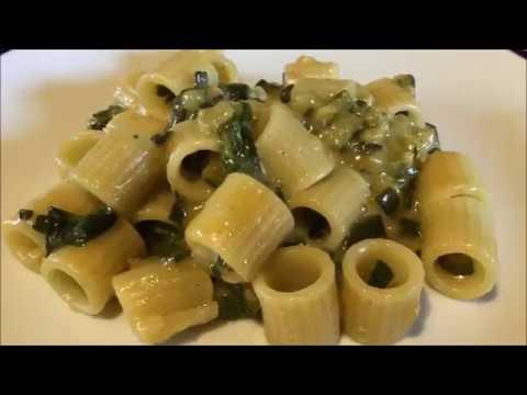 Tubettoni di Gragnano con zucchine, scamorza e parmigiano