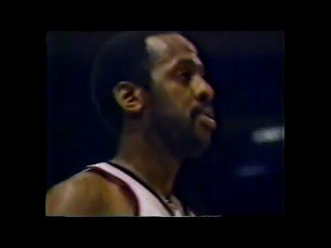 Campy Russell (19pts/4asts) vs. Celtics (1980)