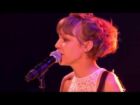 WE Day Seattle ~ Gossip Girl - Grace VanderWaal