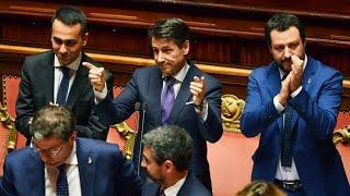 """Italie : devant le Sénat, Giuseppe Conte revendique une politique """"populiste"""""""