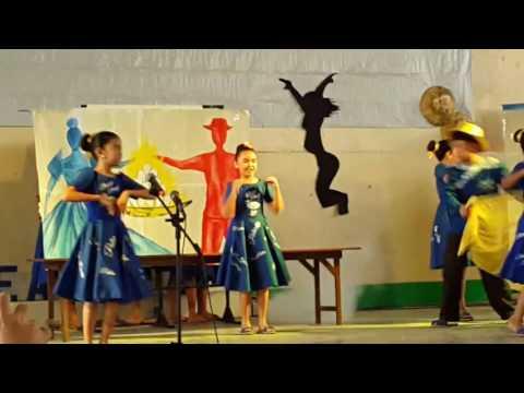 Pateros Elementary School Choir singing