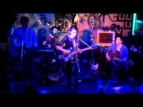 Kyla La Grange - Catalyst (stripped down live version at Servants Jazz Quarters)