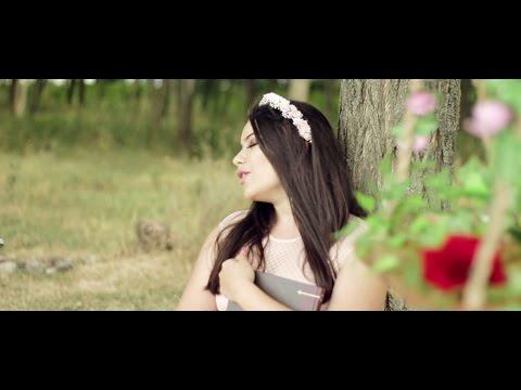Laura Arabo - Carousel