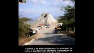 Volcan de Lodo - El Totumo - Cartagena, Colombia