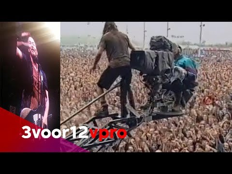 Eddie Vedder revisits his most famous stagedive 26 years later - Pinkpop 2018