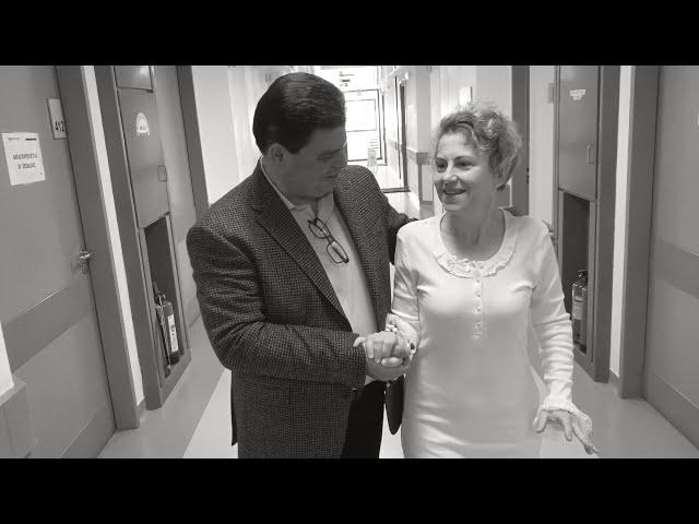 Συγγενές εξάρθρημα ισχίου - Αρθροπλαστική ΑΡ ισχίου ελάχιστης επεμβατικότητας ALMIS - 8 μήνες μετά