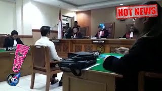 Download Video Hot News! Kriss Hatta Jalani Sidang Perdana Kasus Pemalsuan Akta Nikah - Cumicam 24 April 2019 MP3 3GP MP4