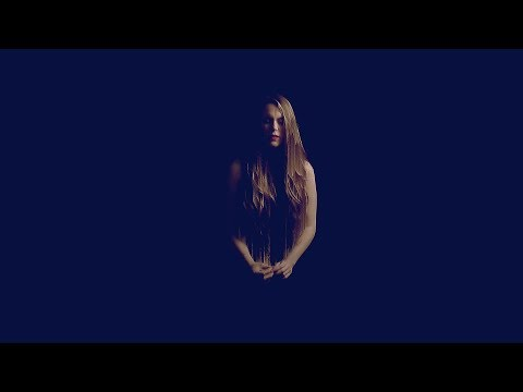 Hannah Featherstone -  Solo