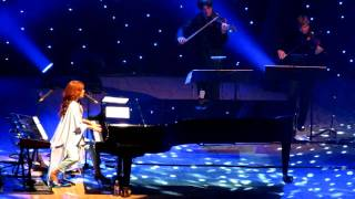 Tori Amos - Winter (live in Warsaw 10/13/11)