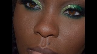 Glittery Green Eyes Thumbnail