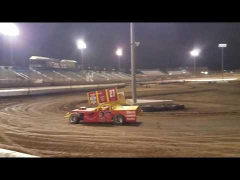 Dennis Wooldridge Figure 8 practice at Perris Auto Speedway 3/15/17