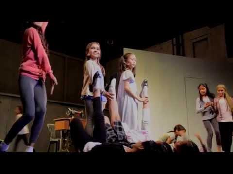 2015 Annie: The Musical Trailer