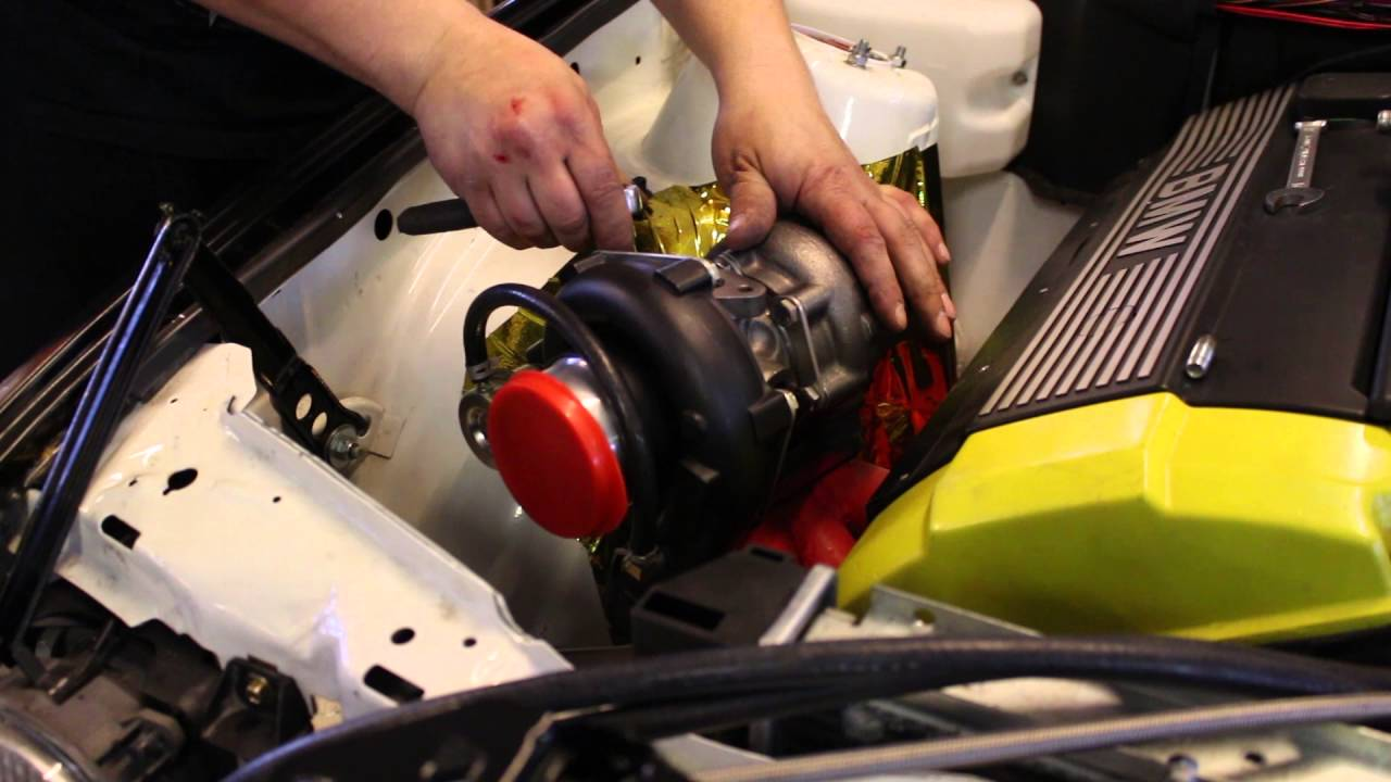 How to turbo BMW m50/m52 engine, part 5 - Installing the turbo parts