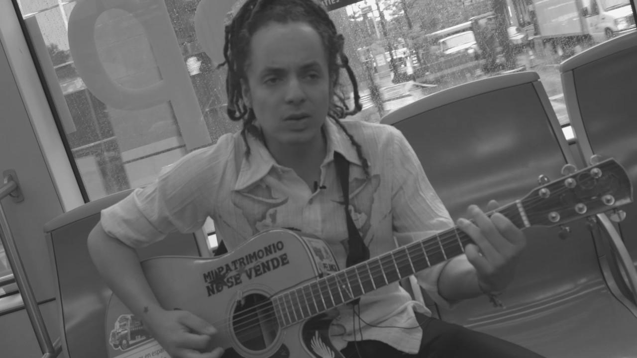 Streetcar Session : Enrique Chi - 'Locura Colectiva'
