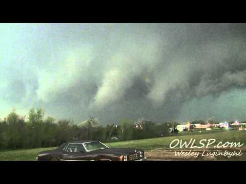Lawton, OK Tornado Timelapse- April 17, 2013 (OWLSP.com)