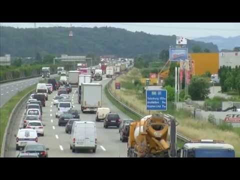 Auffahrunfall zwischen zwei LKW auf der A1 - Zehn Kilometer Stau