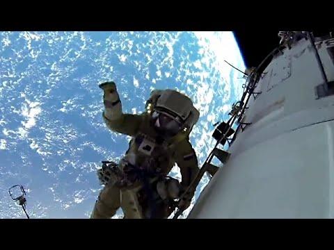 兩名俄羅斯太空人在國際太空站外,進行5小時的太空行走