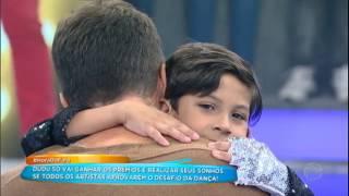 Baixar Faro chora e lembra de sua infância ao ver Dudu dançando no palco