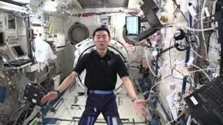 これまでのミッションを振り返って、帰還直前の思いを語る油井宇宙飛行士.