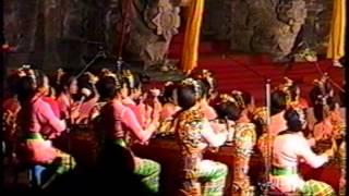 Balinese Gamelan - Kebyar style (Bali Arts Festival 1997) - part 2