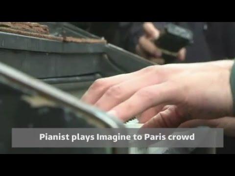 Pianist performs John Lennon's Imagine after Paris attacks