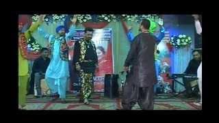 Tedi Pag Ve Ashkey Bhangra Song Live Lucky Punjabi King of Folk