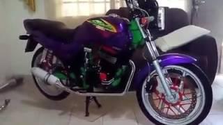 Honda cbx 200 strada com motor de twister  Mostrando a moto