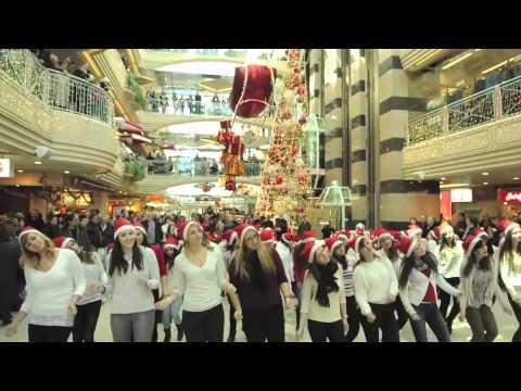 Flashmob (flash mob) Migros Métropole La Chaux-de-Fonds, Suisse.  7 décembre 2013