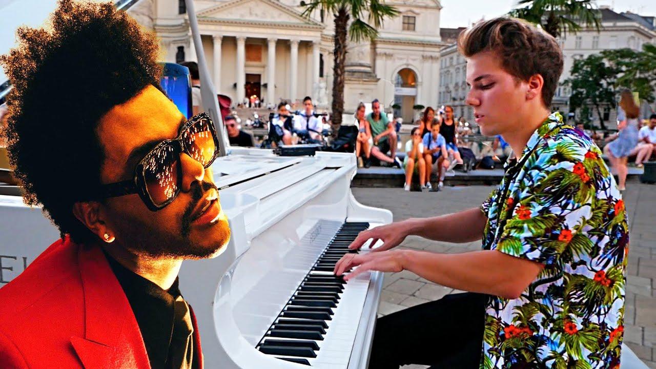 BLINDING LIGHTS STREET PIANO PERFORMANCE 2021