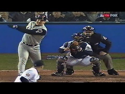 2001 WS Gm4: Durazo's double gives D-backs the lead