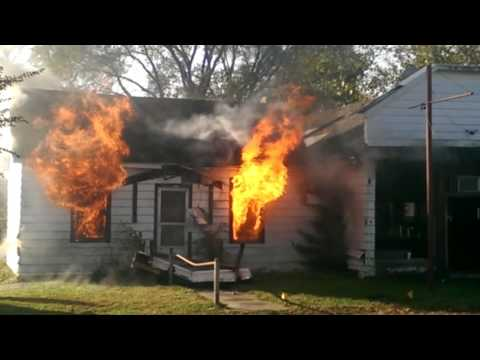 Controlled burning of condemned building in La Salle, Il