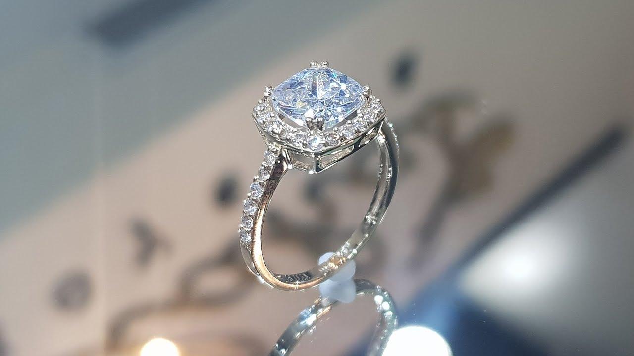 d724f2a657b3 Impresionante anillo de compromiso Moderno y Elegante en oro 14k ...
