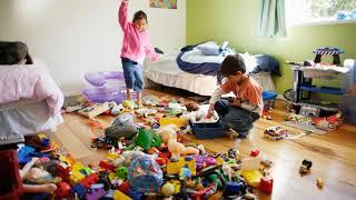 Самостійні діти. Дитина сам прибирає кімнату. Як?
