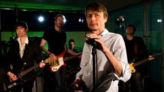 Suede perform Hit Me - live session