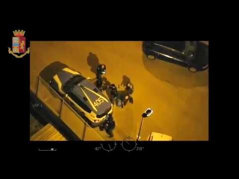 Blitz contro il clan Capriati a Bari - il video completo della Polizia