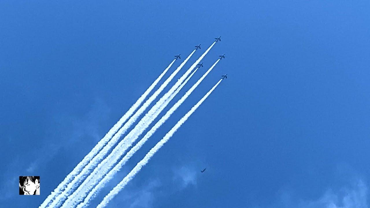 """ブルーインパルス「医療従事者に感謝飛行」東京都心 Blue Impulse """"Thanks to medical staff for flight"""" Central Tokyo"""