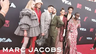 Behind the Scenes of the VMAs Red Carpet with Marc Jacobs