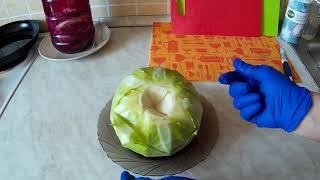 Обработка листьев капусты для голубцов.